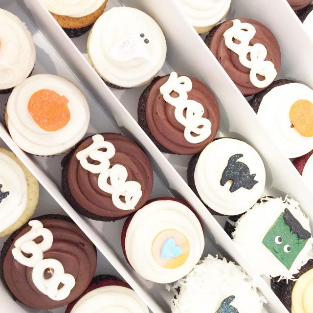 Dots Cupcakes Mini Boo Box