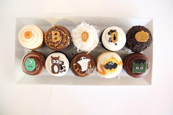dots halloween mini cupcakes